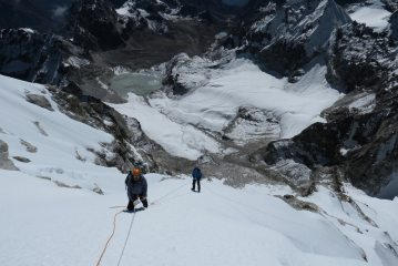 Abseiling back down to Camp 2, 164 kb