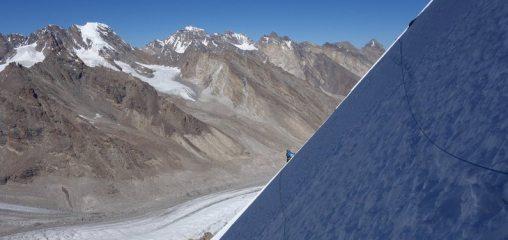 Vast slopes on Raja Peak, 87 kb