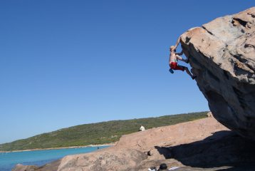 Bouldering on holiday at copper rocks Australia Margret river area.
