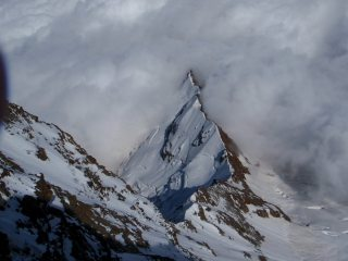 Clouds rolling in on a ridge below the Signalkuppe