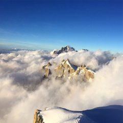 Setting sun gives us a wee cloud inversion on Aiguille du Plan and Aiguille Verte., 152 kb