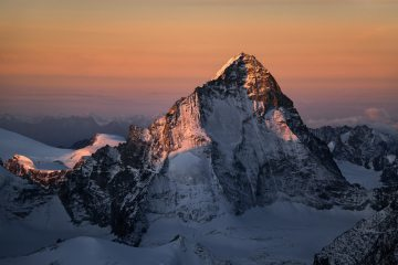 Dent Blanche north face at sunrise, 182 kb
