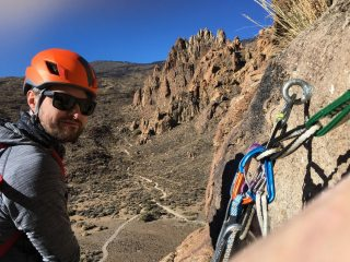 Rich Climbing 'Pet / Sindrome de Primavera' hybrid