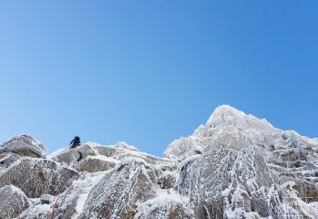 Matt Amos on Viking Buttress, IV - making the most of the fantastic lakeland weather conditions