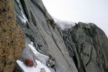 The Frendo Spur crux: the top rognon, 229 kb