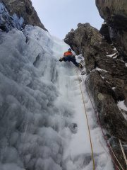 James on the first pitch of Clogwyn du left-hand branch, good ice.