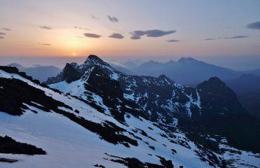 Sgurr nan Gillean and Blaven at Sunrise, 146 kb