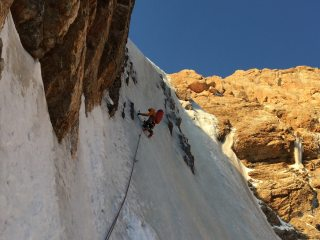 First steep pitch on FA of Robbie's Revenge