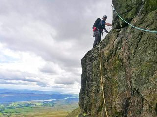 3rd pitch of Eliminate 'A', Dow crag