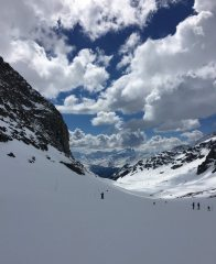 Skiing from the Col de Thorens to Plan Bouchet in the Three Valleys, France.
