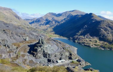 Looking up Llanberis Pass from Dinorwig slate quarry, 400 kb