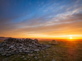 Sunrise at the summit camp of Driesh, 316 kb