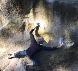 Fishmate, finding balance on the morpho delight that is Spongebob, 6B+ at Franchard Isatis, Fontainebleau, March 2019