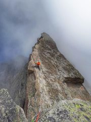 Atmospheric conditions on the South Ridge of the Salbitschijen, 89 kb