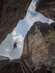 Abseiling from Torre Lusy, Cinque Torri, 394 kb