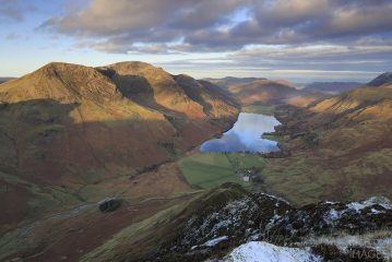 Morning light on Lakeland peaks from the summit of Fleetwith Pike in the Lake District, 164 kb