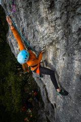 Streeeeeeetch... Jade reaching for the clip on Tufa King Hard, 441 kb