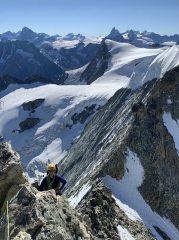 On the East ridge of Mont Blanc de Cheilon, 470 kb