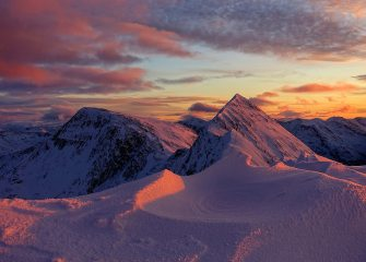 Sunset on the Devil's Ridge, Mamores, 566 kb