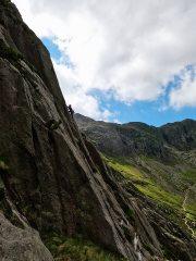 Climber on Rampart Corner E1 5C - Holly Tree Wall, 349 kb