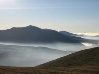 Elider Fawr in cloud inversion