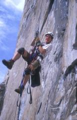 Es Tresidder jugging off the ground on Zodiac, El Capitan