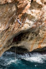 James Pearson latching the dyno on Loskot and Two Smoking Barrels (supposedly V10 in it's own right!)